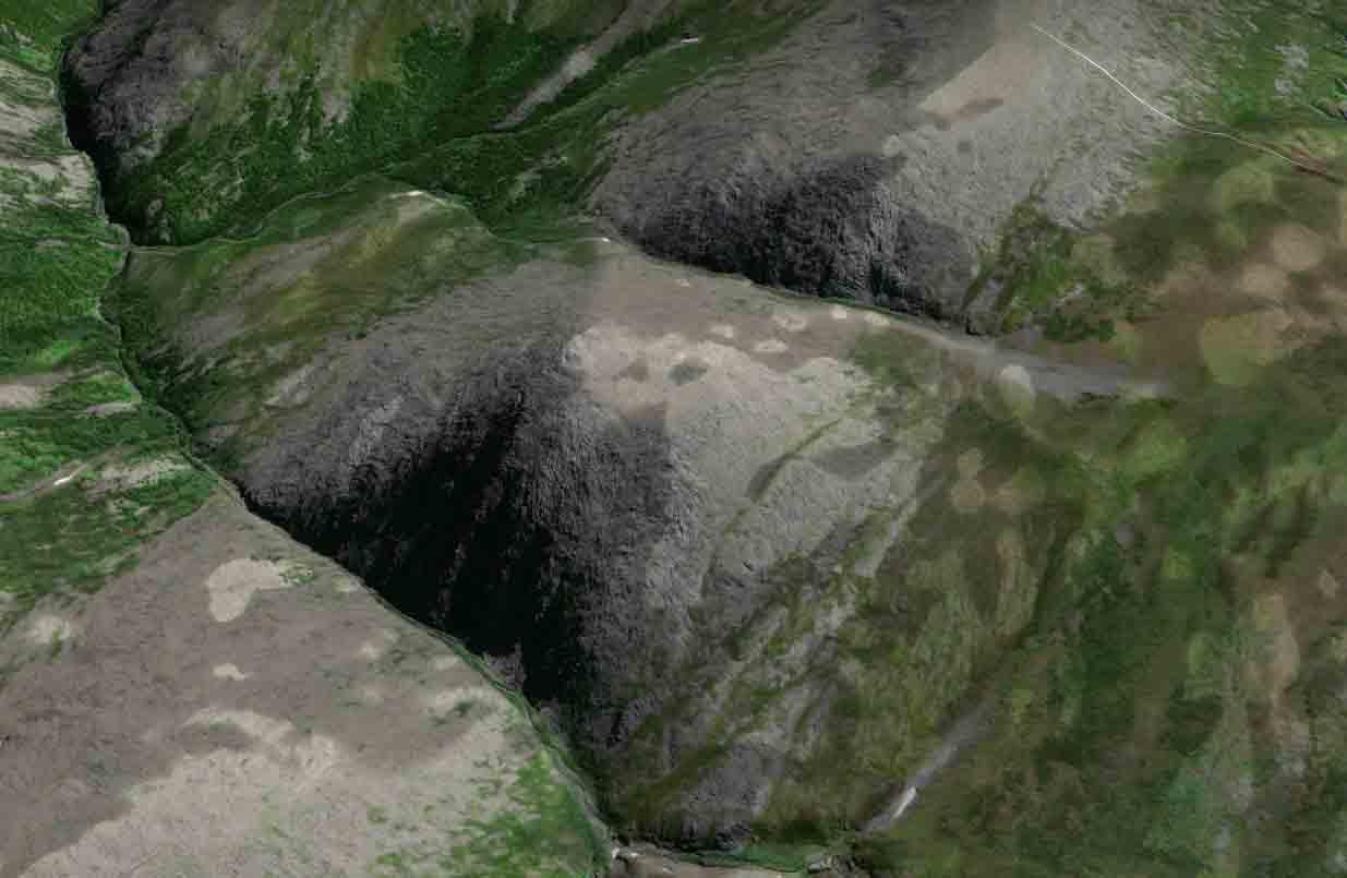 Фото обнаруженной на Урале пирамиды со спутника