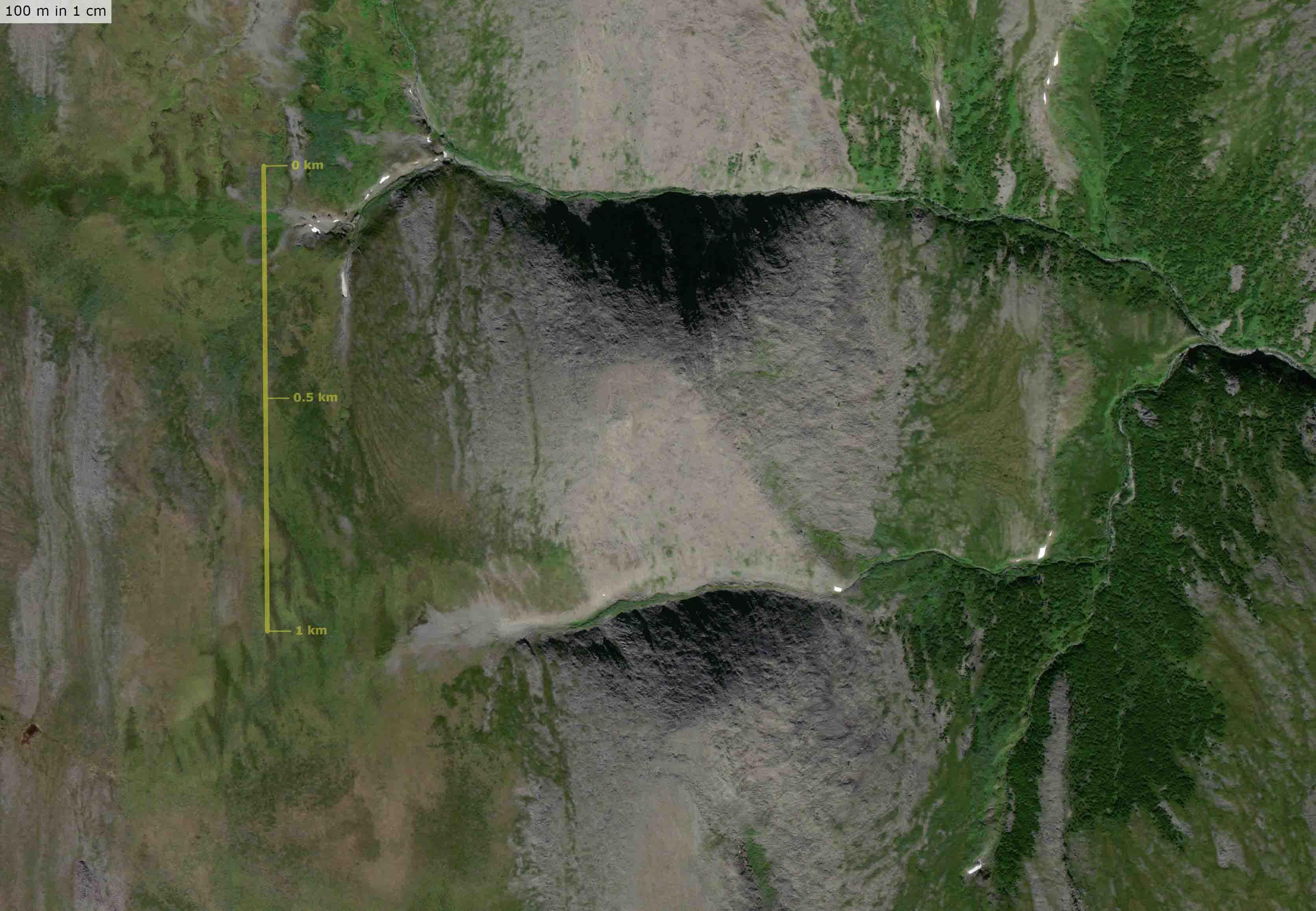 Фото пирамиды на Урале